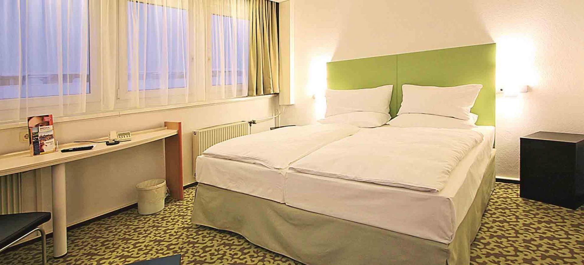 ibis Dresden Zentrum Komfort Doppelzimmer / Comfort Double Room
